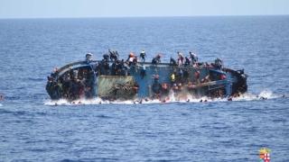 Трафиканти умишлено удавиха най-малко 55 мигранти