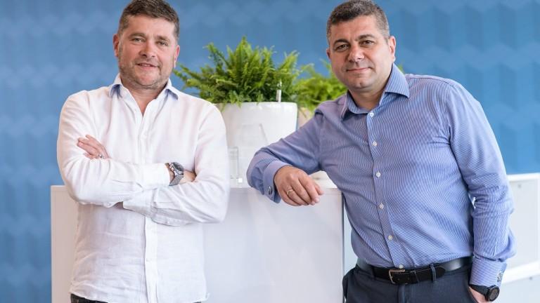 HeleCloud е основана от българите Стефан Бумов, главен оперативен директор на HeleCloud и бивш изпълнителен директор на аутсорсинг компанията Sofica, и Добромир Тодоров, главен изпълнителен директор на HeleCloud.