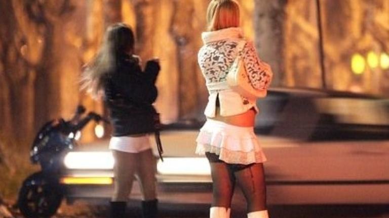 Разбиха група за трафик на хора, действала в Германия и Франция