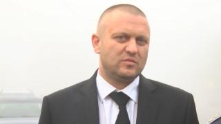 Искат арест за двама обвинени в бой с полицаи в Мъглиж