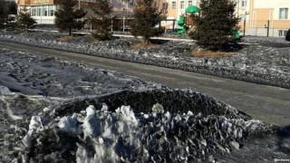 Черен сняг валя в руската Кемеровска област