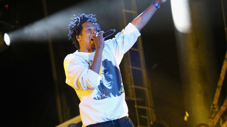 Джей-Зи e първият хип-хоп изпълнител в света, чието състояние се