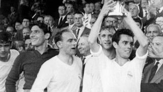 Историята се повтаря - Реймс отново гледа как Реал вдига трофея