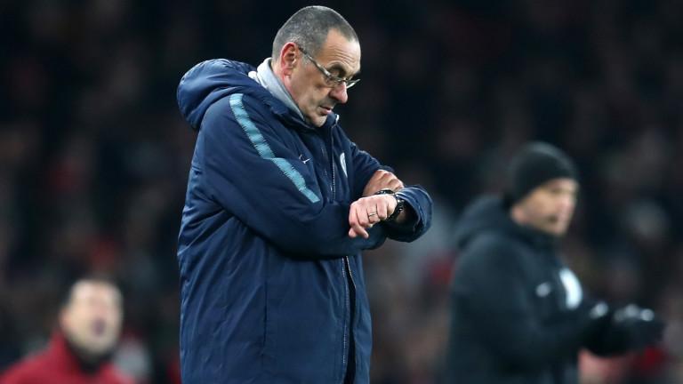 Маурицио Сари има три мача, за да спаси работата си в Челси