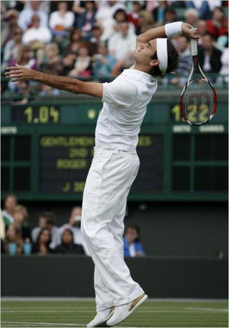 Роджър Федерер продължава да печели в Лондон