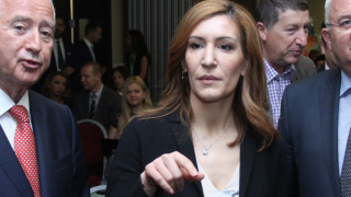 Ангелкова призова и туристи, и персонал да подават сигнали