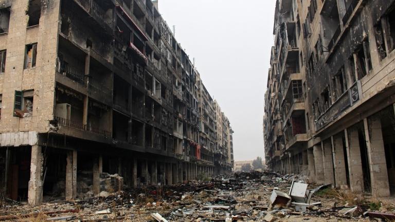 Възобновиха евакуацията на Алепо