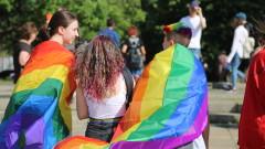 Напрежение между маскирани с бръснати глави и ЛГБТ активисти в Пловдив