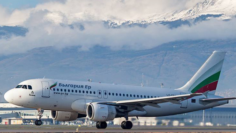"""""""България Еър"""" пуска допълнителни полети за празниците"""