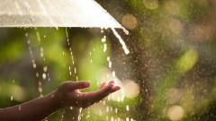 Проливен дъжд заля Дупница