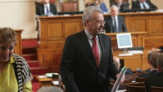 Москов се държи високомерно и арогантно, критикува го Кърджалиев