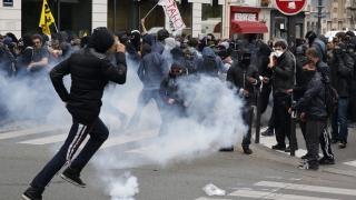 "Коктейли ""Молотов"" и ""Аллах Акбар"" по автобус в Париж"