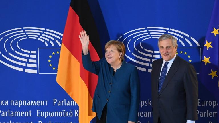 Канцлерът на Германия Ангела Меркел подкрепи плановете на френския лидер