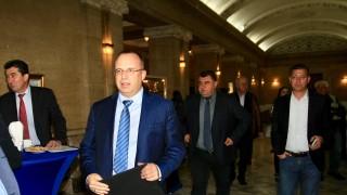 Земеделският министър иска повече мерки за биосигурност