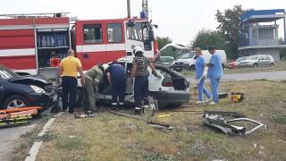 Тежка катастрофа между джип и кола в Ямбол