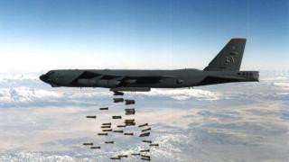 САЩ разполагат бомбардировачи B-52 в Индийския океан