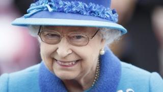 Гард за малко да простреля британската кралица Елизабет Втора