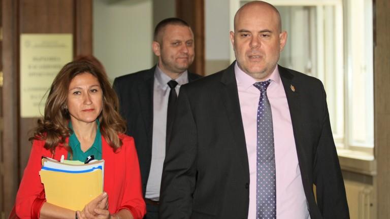 Кметът на Костенец Радостин Радев е обещавал 30 000 лв.