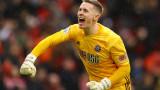 Манчестър Юнайтед ще остави Дийн Хендерсън още един сезон в Шефилд
