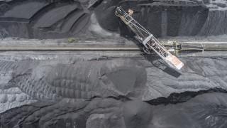 Пентагона и Австралия обсъждат добиване на собствени редкоземни метали, след като Китай заплаши да спре доставките