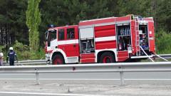 Шофьор се блъсна в стълб и изгоря в колата си край Силистра