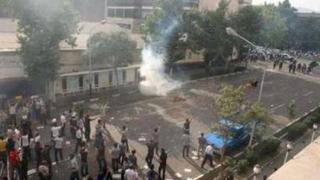 САЩ искат Иран да разреши митинг на опозицията