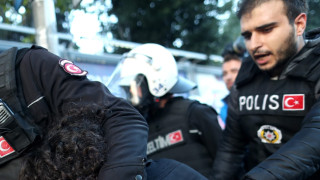 Арестуваха трима българи по подозрения за подпомагане на гюленисти