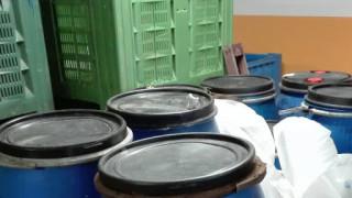 Задържаха над 1 тон ракия в склад за плодове и зеленчуци в Монтана