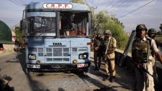Пакистански и индийски военни се стрелят в Кашмир