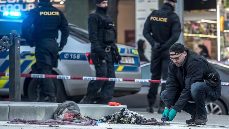 Мъж е пострадал сериозно при самозапалване на централен площад в