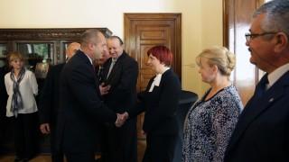 Президентът укрепва връзките със сънародниците ни в чужбина