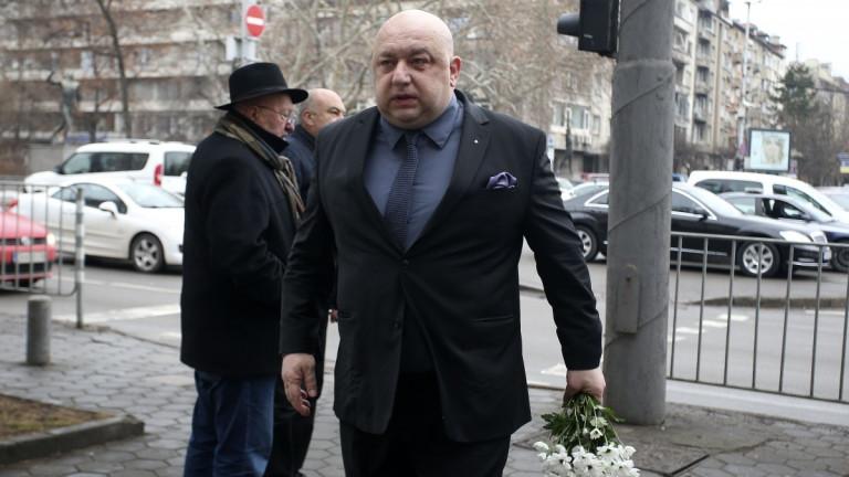 Министър Кралев почете паметта на Иван Вуцов