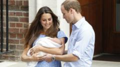 Уилям и Катрин представиха детето си пред света
