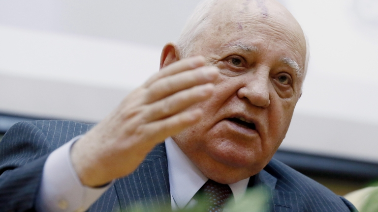 НАТО се движи в посока обявяване на война на Русия, предупреди Горбачов