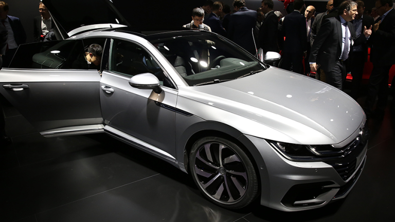 Volkswagen представи Arteon - новият флагман за Европа (ВИДЕО)
