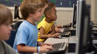 """От Синдикат """"Образование"""" искат онлайн обучение в училищата"""