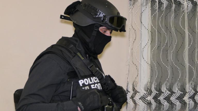 Специализираната прокуратура повдигна обвинения спрямо пет лица за участие в