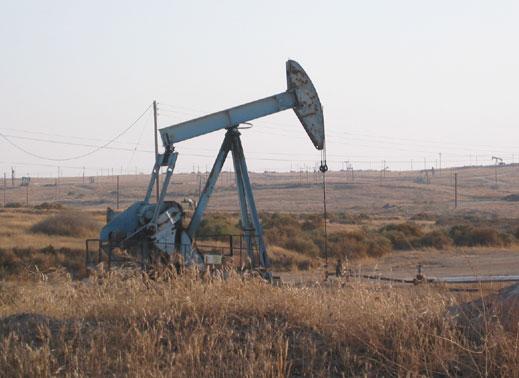 Ръст в цената на златото и петрола