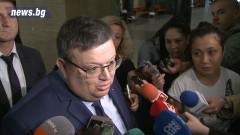 Цацаров: За закона не могат да бъдат укорявани изпълнителите