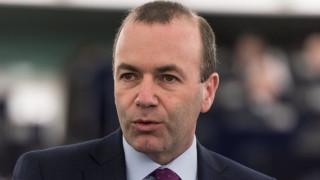 Вебер обещава законодателна инициатива на ЕП, ако вземе мястото на Юнкер