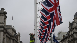 Ирландия обвини Борис Джонсън в саботиране на мирния процес