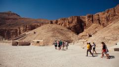 Археолози откриха нови гробници в Египет