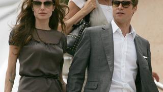 Анджелина и Брад Пит дарили милион долара за децата в Ирак
