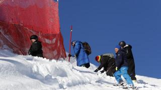 Дамското спускане в Сочи беше отменено заради лошо време