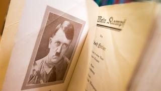 """В Германия издадоха """"Моята борба"""" на Хитлер за първи път от Втората световна война насам"""