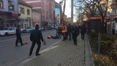 Двама работници пострадаха при инцидент в Казанлък