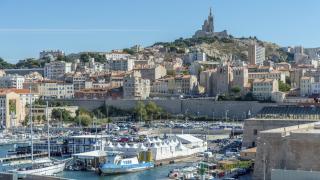 Осем души се предполага, че са загинали при срутване на две сгради в Марсилия