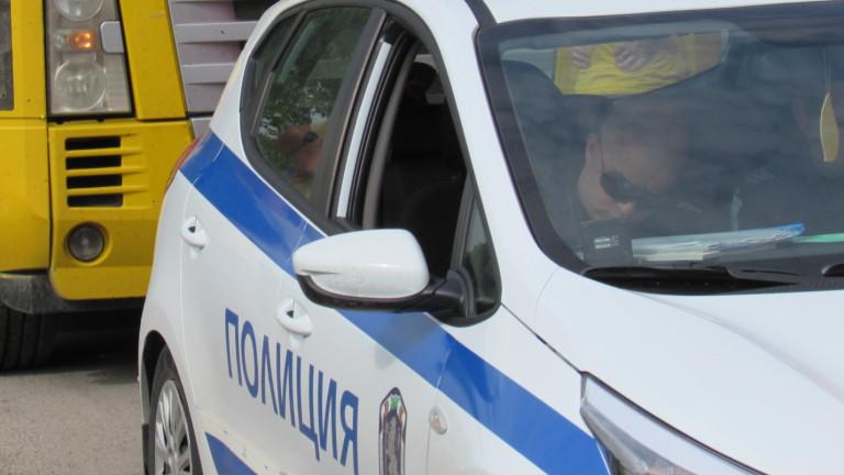 Двама полицаи пострадаха при катастрофа в Сандански