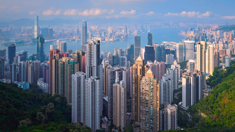 Китай се закани на Лондон, че няма да допусне бягство на жители на Хонконг