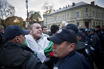 Ранобудните амбицирани от полицейската агресия